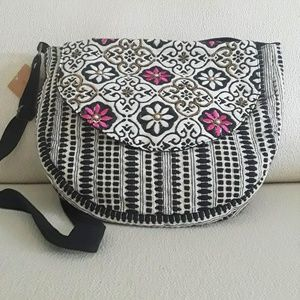 Handbags - NWT! Beautiful Crossbody bag!